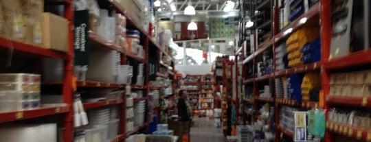 Bunnings Warehouse is one of สถานที่ที่ Rick ถูกใจ.