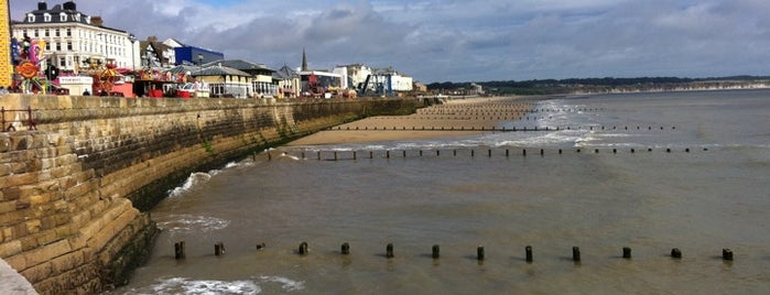 Bridlington Sea Front is one of Tempat yang Disukai Carl.