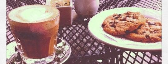 Rococó Café Espresso is one of Café / Té / Repostería.