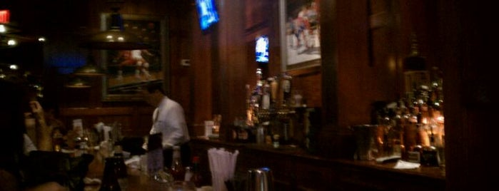 Clyde's Alley Bar is one of Gretchenさんの保存済みスポット.