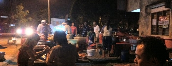 Klang Jaya Popular Fried Chicken (好味炸鸡良木园) is one of Owen'in Kaydettiği Mekanlar.