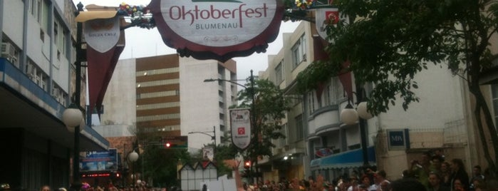 Desfiles da Oktoberfest is one of ♥.