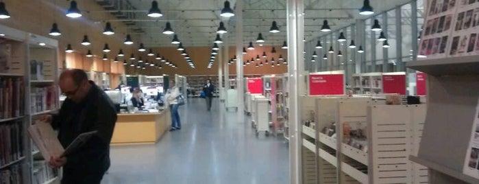 Biblioteca Francesc Candel is one of Barcelona | Cultura e Arquitetura.