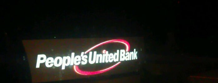 People's United Bank is one of Lindsayeさんのお気に入りスポット.