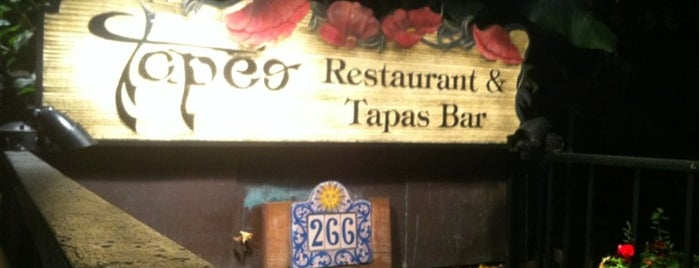 Tapeo Restaurant and Tapas Bar is one of Great Date Spots.