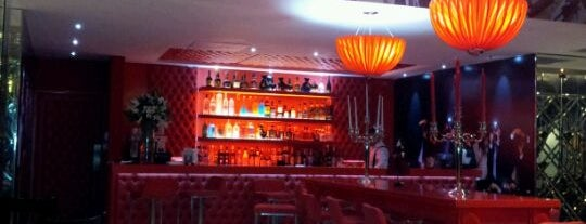 Maniqui Restaurant Lounge is one of RD.