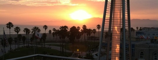 High Rooftop Bar at Hotel Erwin is one of Santa Monica.
