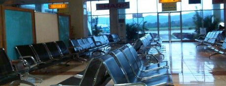 Bandara Haluoleo (KDI) is one of Part 1~International Airports....