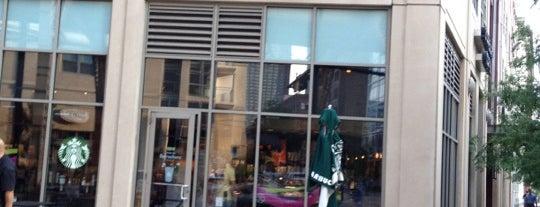 Starbucks is one of Orte, die Lisa gefallen.