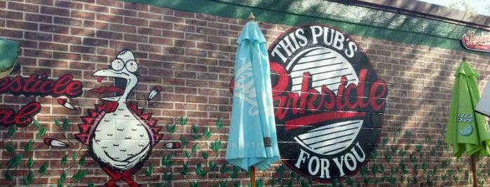 Parkside Pub is one of Carol'un Beğendiği Mekanlar.