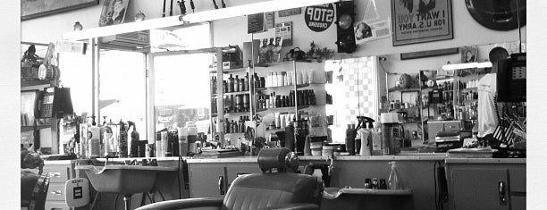 Winn's Barber Shop is one of Hillcrest.