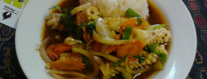 KisParázs Thai Soup & Wok Bar is one of Must See in Budapest !.