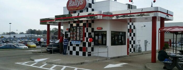 Rally's is one of Lieux qui ont plu à Emily.