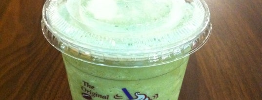 The Coffee Bean & Tea Leaf is one of le 4sq with Donald :].