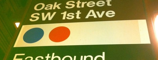 TriMet Oak/SW 1st Ave MAX Station is one of Lieux qui ont plu à Bekah.