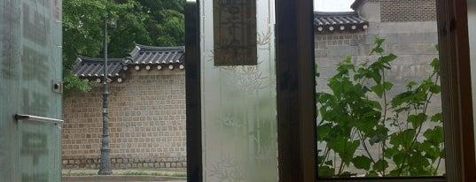메밀꽃필무렵 is one of Restaurant.