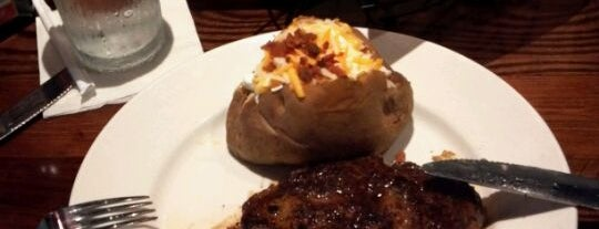 LongHorn Steakhouse is one of Edwulfさんのお気に入りスポット.