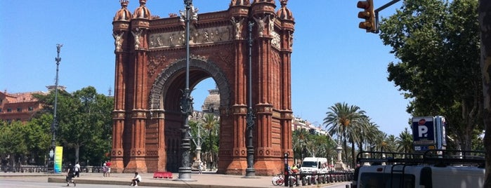 Arco del Triunfo is one of Favorite places in Barcelona.