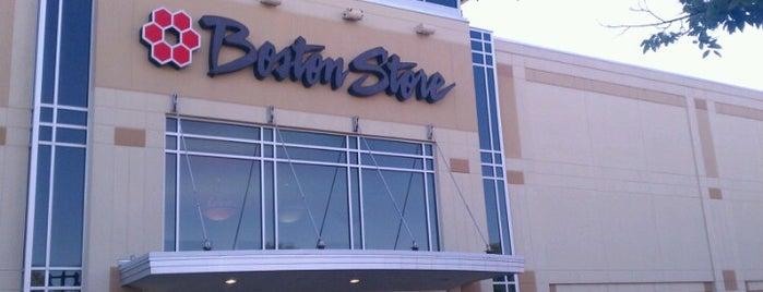 Boston Store is one of Rose Marie'nin Beğendiği Mekanlar.
