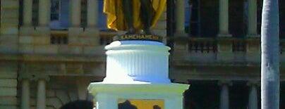 King Kamehameha Statue is one of Honolulu: The Big Pineapple #4sqCities.