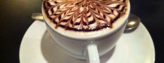Lucca Café is one of Descobrindo Curitiba.
