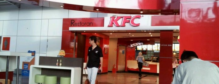 KFC is one of Locais curtidos por Rahmat.
