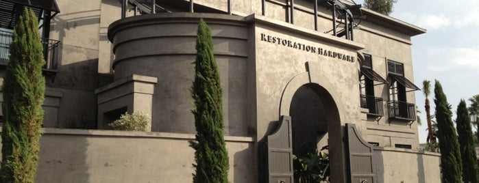 Restoration Hardware is one of Mikoさんのお気に入りスポット.