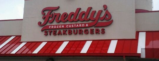 Freddy's Frozen Custard & Steakburgers is one of Lugares favoritos de Chad.