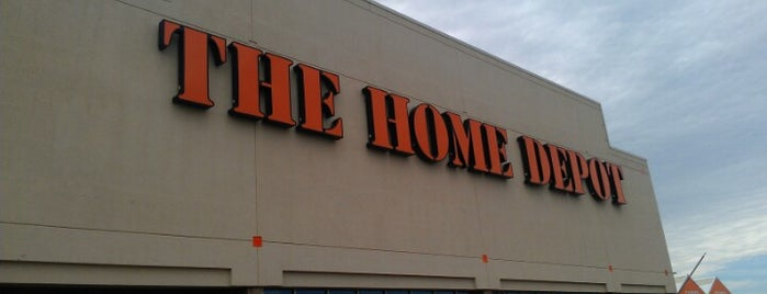 The Home Depot is one of robin 님이 좋아한 장소.