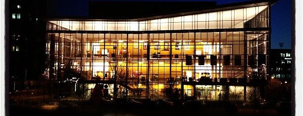 Durham Performing Arts Center (DPAC) is one of Posti che sono piaciuti a Kyle.