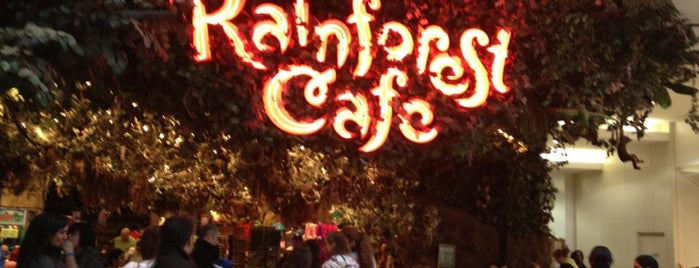 Rainforest Cafe is one of Tempat yang Disukai Jan.