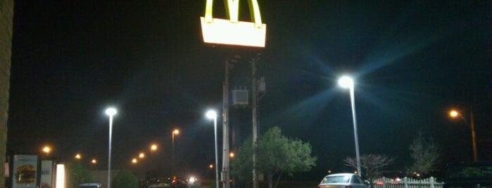 McDonald's is one of Orte, die Sebastián gefallen.