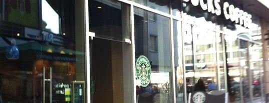 Starbucks is one of สถานที่ที่ Natalie ถูกใจ.