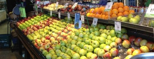 Save-On-Foods is one of Tempat yang Disimpan Ryan.