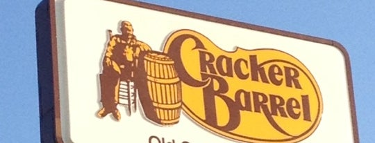 Cracker Barrel Old Country Store is one of Paulina's Liked Places.
