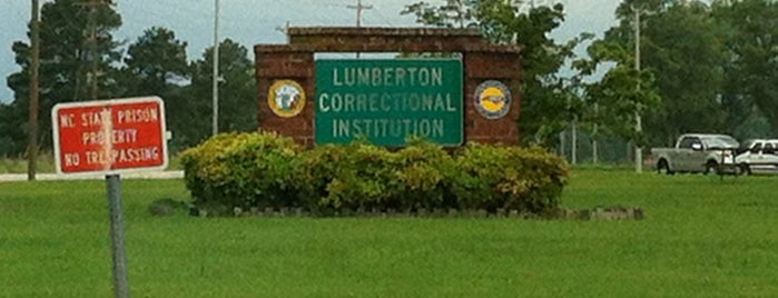 Lumberton Correctional Institution is one of Posti che sono piaciuti a Steve.