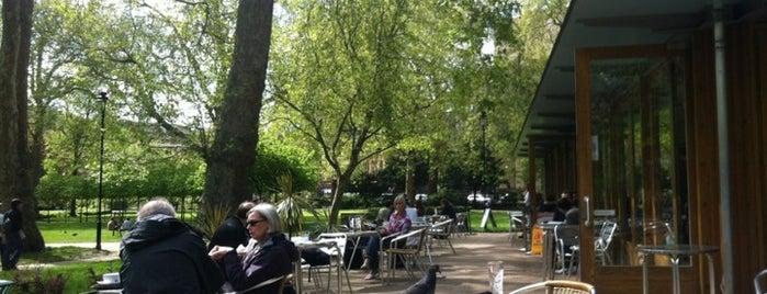 Cafe in the Gardens is one of Lugares favoritos de Rinatsu.