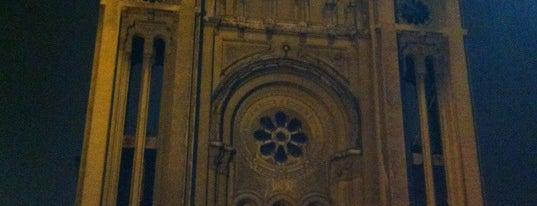 Iglesia Basilica de los Sacramentinos is one of Lugares, plazas y barrios de Santiago de Chile.