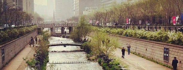 Cheonggyecheon Stream is one of Tempat yang Disimpan Worldbiz.