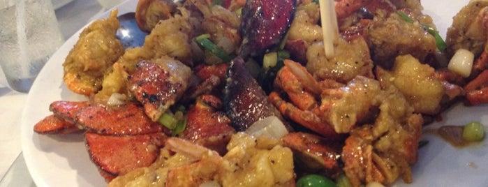 Royal Capital Seafood Restaurant is one of Kenji'nin Kaydettiği Mekanlar.