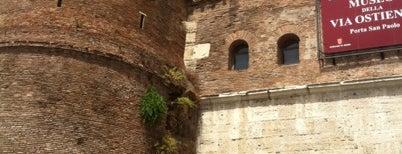 Piramide Cestia is one of Roma.