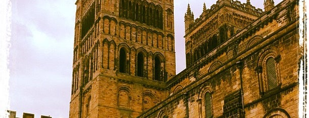 Durham Cathedral is one of Locais curtidos por Carl.