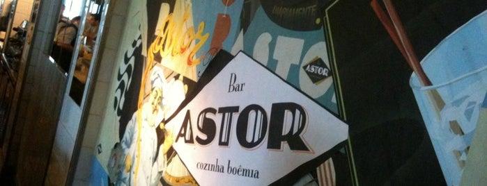Bar Astor is one of 10 lugares para esticar a praia após o por do sol.