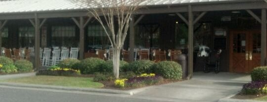 Cracker Barrel Old Country Store is one of kevinさんのお気に入りスポット.