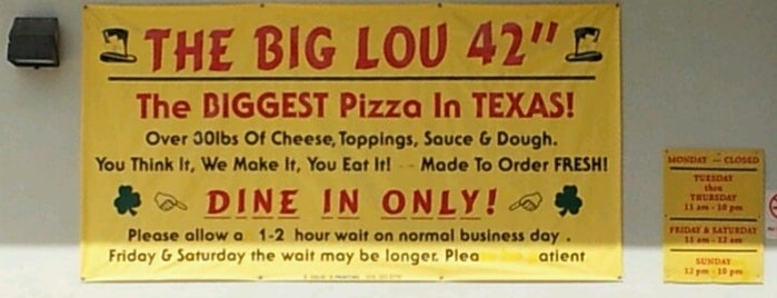 Big Lou's Pizza is one of Tempat yang Disimpan Crystal.