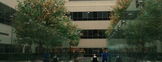 Beaumont Hospital is one of Tempat yang Disimpan Heather.