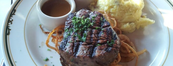 EB Green's Steakhouse is one of Posti che sono piaciuti a Jan.