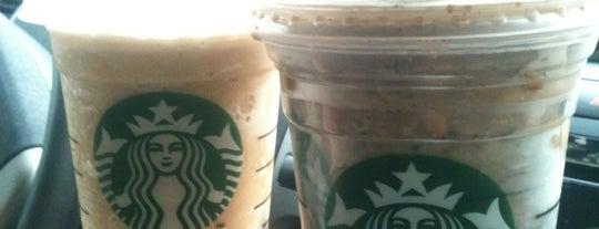 Starbucks is one of Posti che sono piaciuti a Caroline.