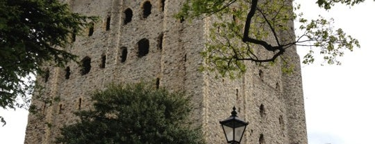 Rochester Castle is one of Locais curtidos por clive.