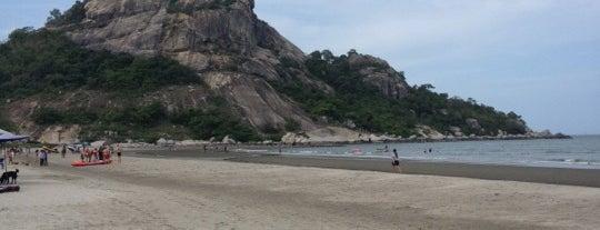 Khao Ta-Kiab Beach is one of Locais curtidos por Tom.